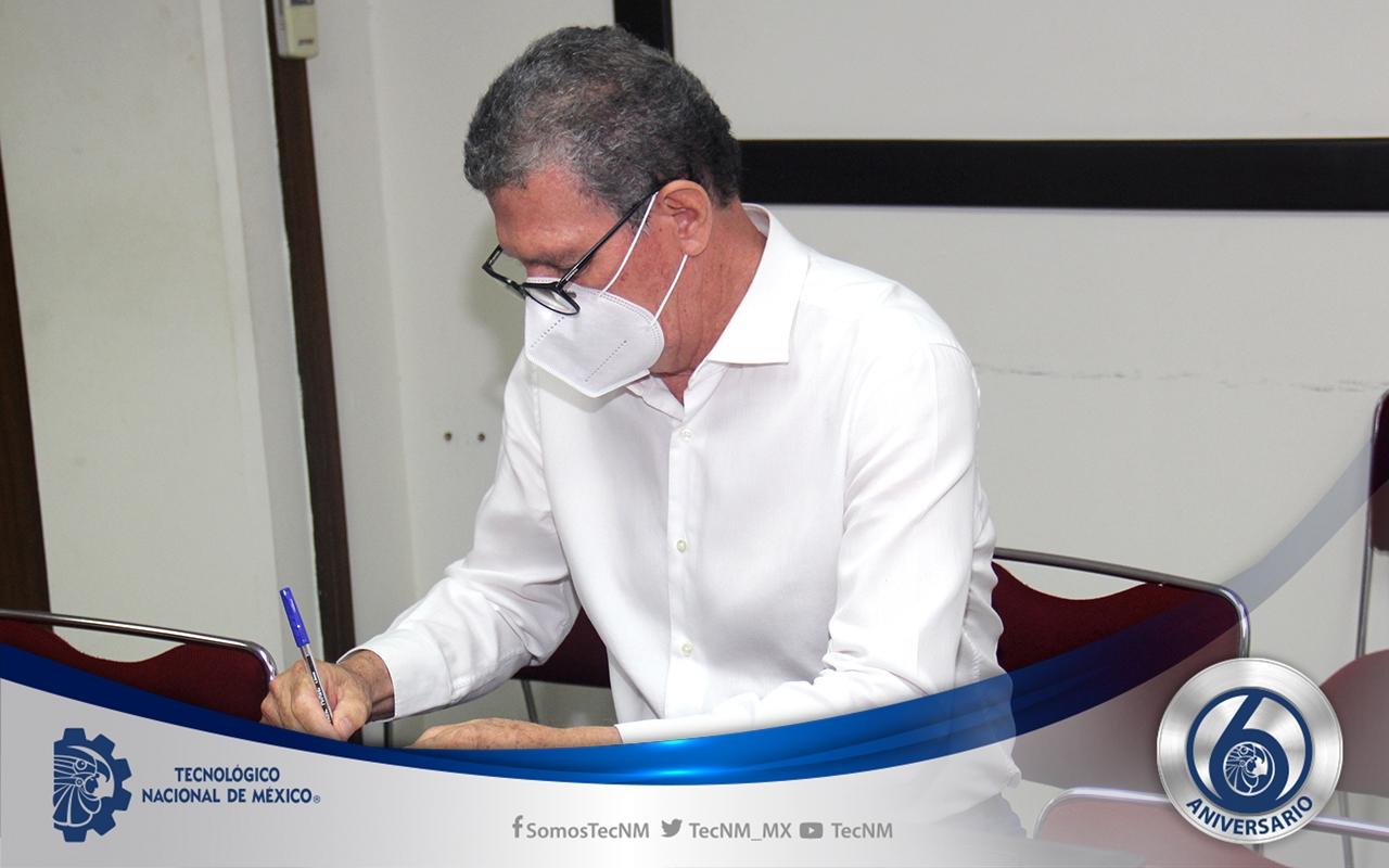 FIRMA CONVENIO COLEGIO PROFESIONISTAS 08